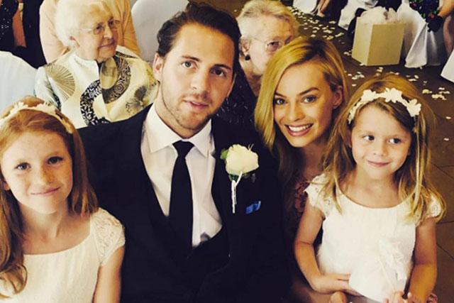 Margot Robbie Wedding.Margot Robbie Wedding Actress Marries Tom Acklerley In